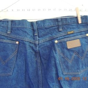 NEW MENS WRANGLERS SIZE 42/3431MWZDN
